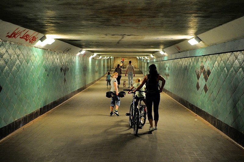 a family in the spreetunnel berlin koepenick