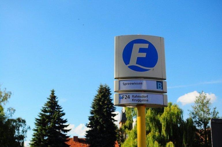 F24 BVG Haltestelle