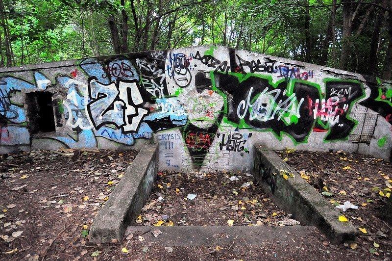 bunker hinten eingang auslaenderlager schoenholz