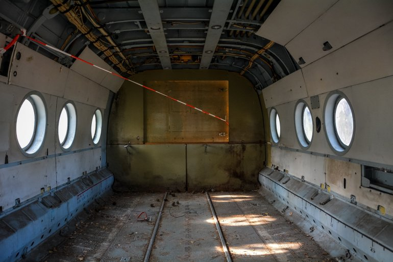 soviet russian mil mi 8 helicopter germany deutschland abandoned urbex lost places hubschrauber wald ddr interior