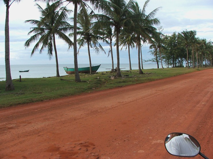 Phu Quoc red_dirt_long_beach