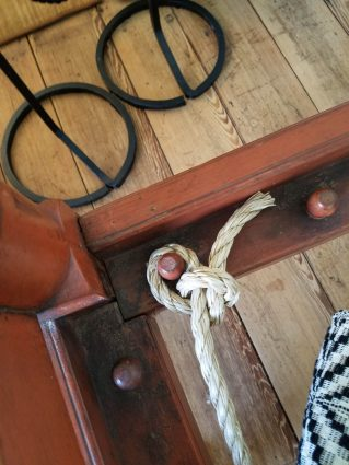 Detail of the tied sack bottom bed.