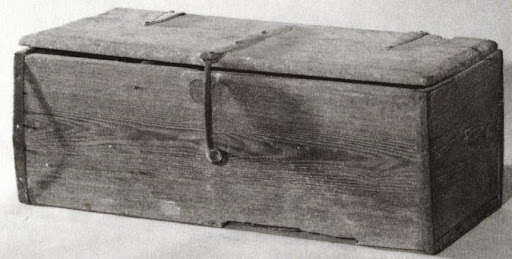 Blanket chest (trunk), Southeast America, yellow pine and iron, Colonial Williamsburg Foundation, 1963-43.