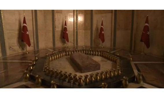 Atatürk'ün cenaze töreni Anıtkabir ve Dolmabahçe