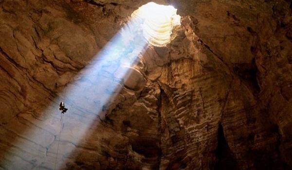 Dünyanın en derin mağarası Krubera