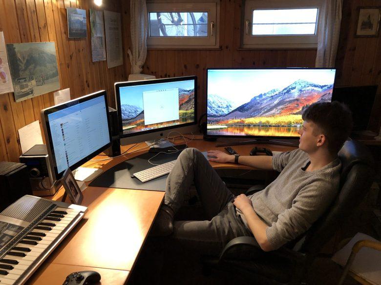 iMac 2011 steuert drei Bildschirme. Ein Mac Paradies