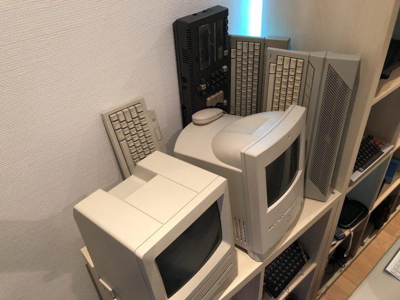 Zwei klassische MacIntoshs und ein Schneider CPC 464. Computermuseum wegen Überfüllung geschlossen