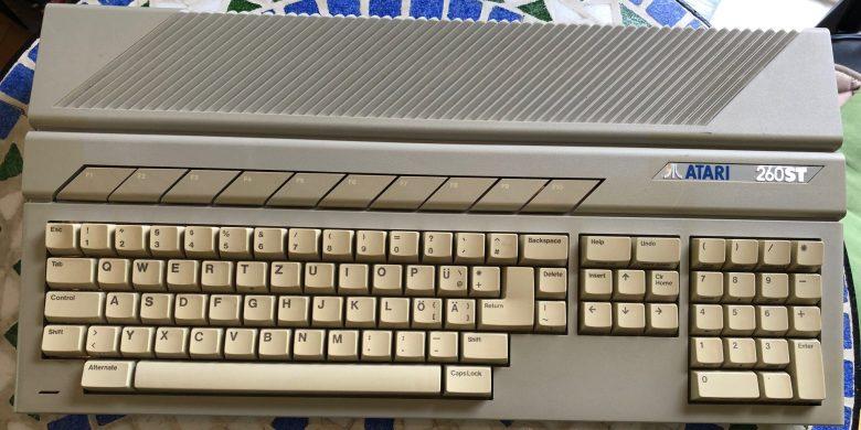 Atari 260 ST. Die Tastatur ging so. Entwicklung der Computertastaturen
