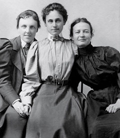 Theodate Pope, Alice Hamilton, and a student believed to be Agnes Hamilton, 1888. Courtesy of Miss Porter's School.