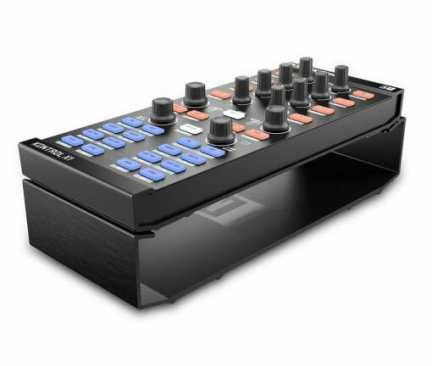 Product-Pictures-Traktor-Kontrol-Stand-Case-Travel-Bag-Protection-x1-510x432 (1)