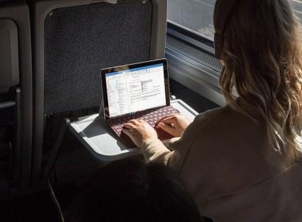 コンパクトで軽くて安い Microsoft Surface Go #Surfaceアンバサダー