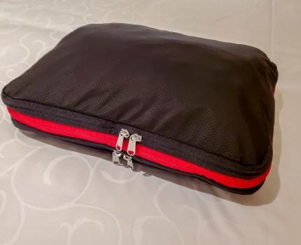 旅行・出張にとても便利な 圧縮バッグ トラベルポーチ