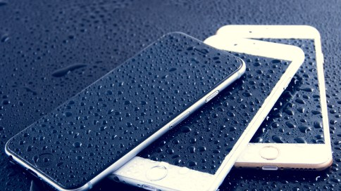 apple_iphone_6_drops_smartphone_106178_3840x2160