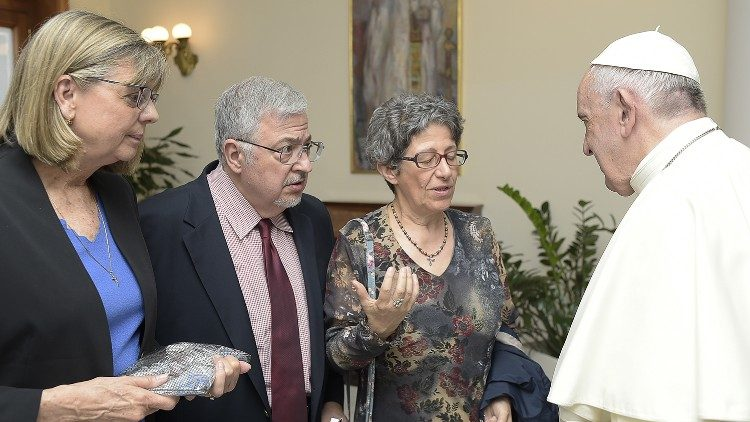 Dale and Susan meet Pope Francis