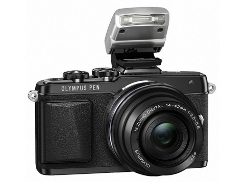 Olympus PEN E-PL7 - Flash