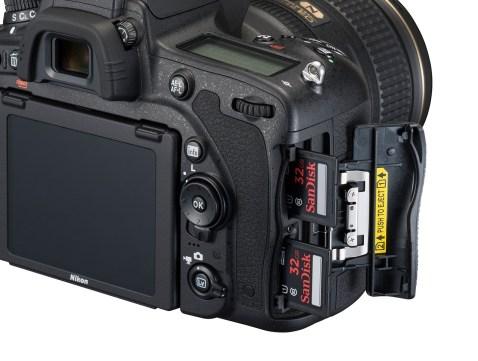 Nikon D750 - Card Slots