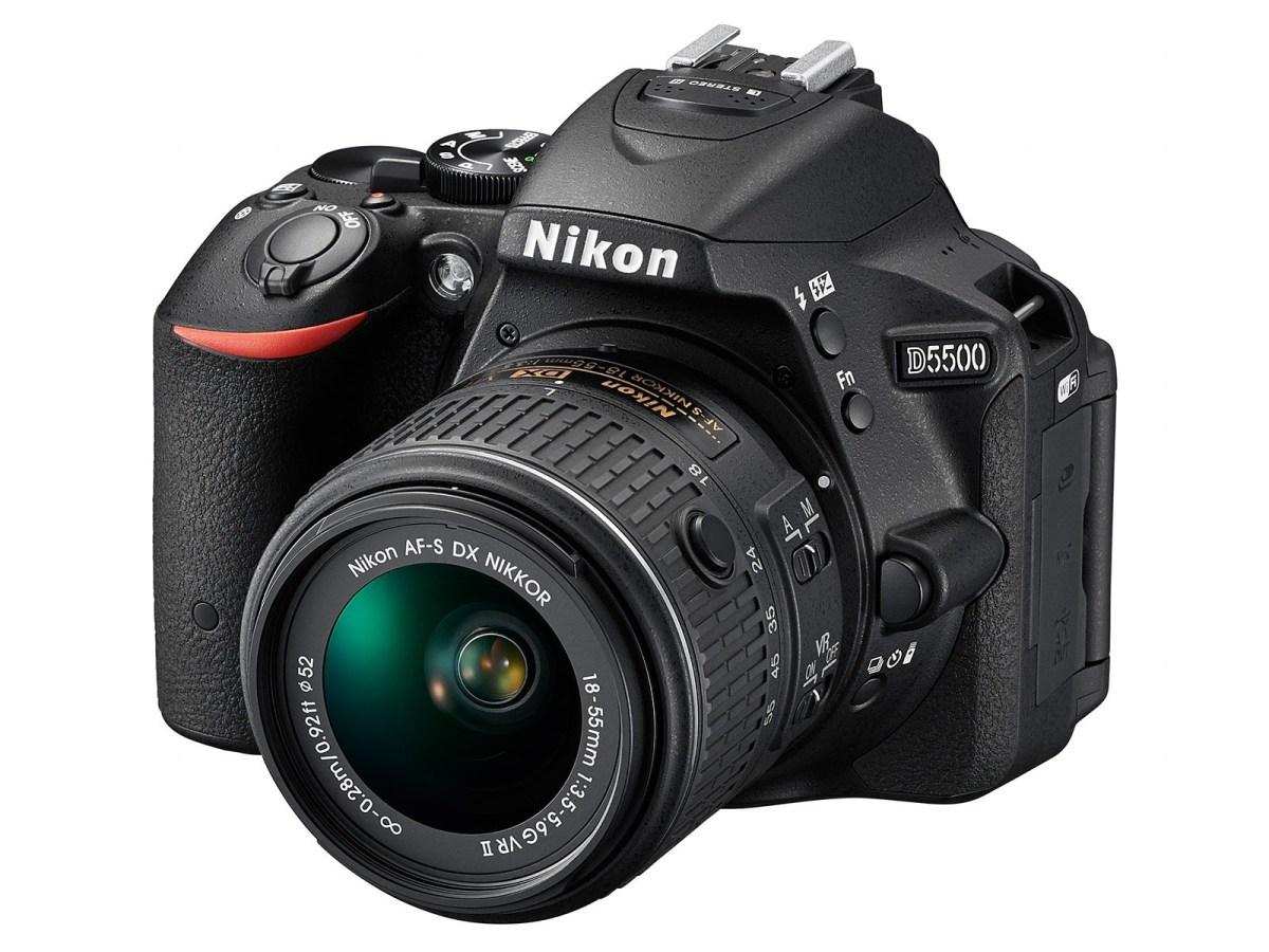 Nikon D5500 - Side