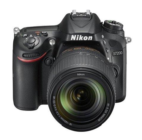 Nikon D7200 front