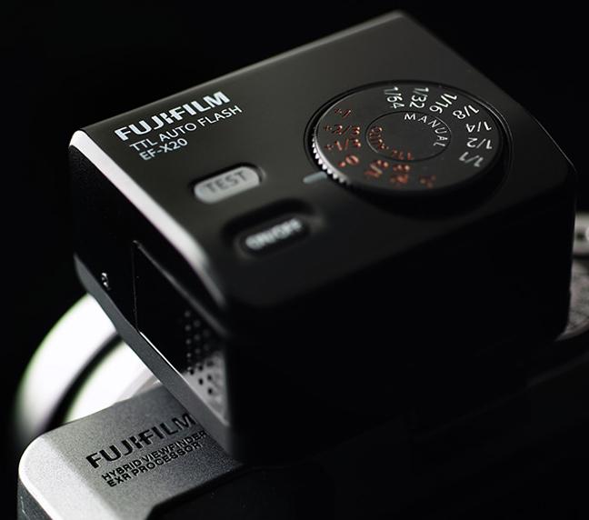 Fujifilm EF-X20 TTL Flash 05