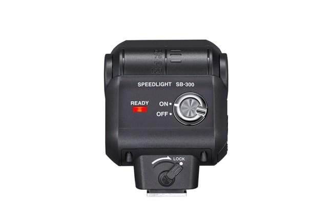 Nikon Speedlight SB-300 02