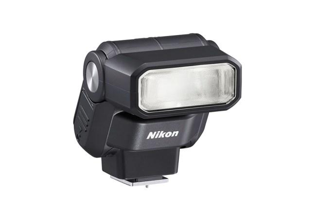 Nikon Speedlight SB-300 04