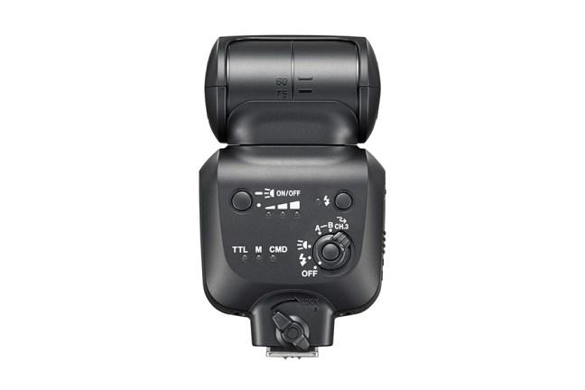 Nikon Speedlight SB-500 02