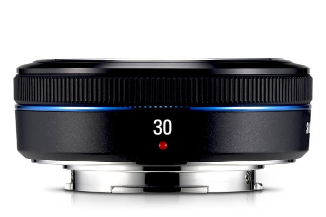 Samsung 30mm F2 Lens 05