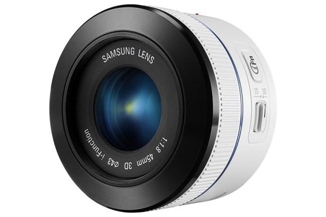 Samsung 45mm F1.8 2D:3D Lens 11