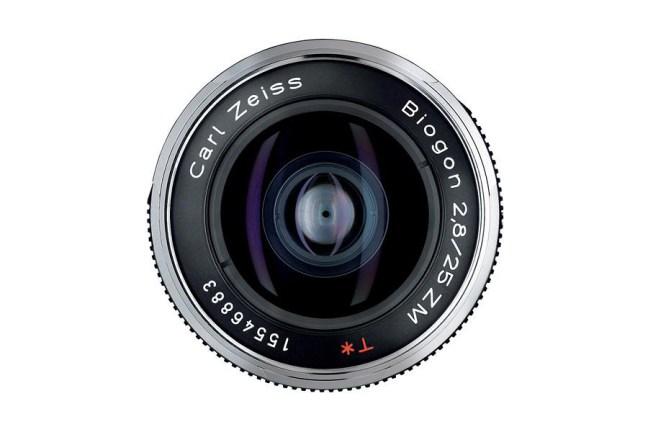 Zeiss Biogon T* 25mm f2.8 ZM Lens 03