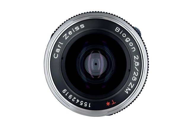 Zeiss Biogon T* 28mm f2.8 ZM Lens03