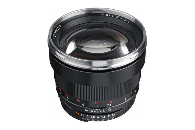 Zeiss Planar T* 85mm f1.4 Lens 04