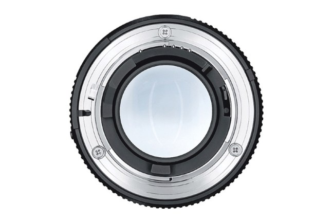 Zeiss Planar T* 85mm f1.4 Lens 05