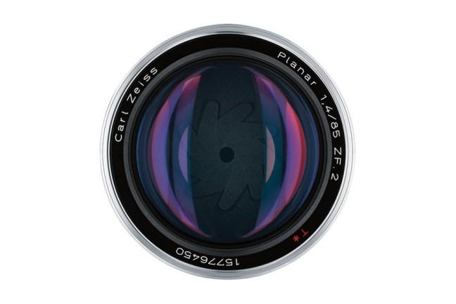 Zeiss Planar T* 85mm f1.4 Lens 06
