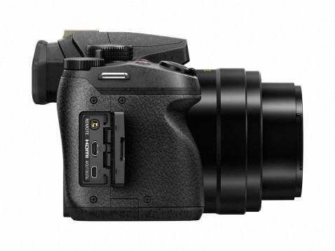 Panasonic Lumix DMC-FZ300 - Side 2