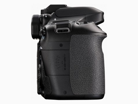 Canon EOS 80D - Card Slot