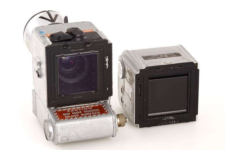 The Reseau plate is visible between the film magazine and camera body. WestLicht Photographica Auction