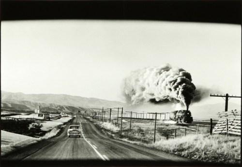 (C) Elliot Erwitt, Wyoming Steam Train Press, 1954
