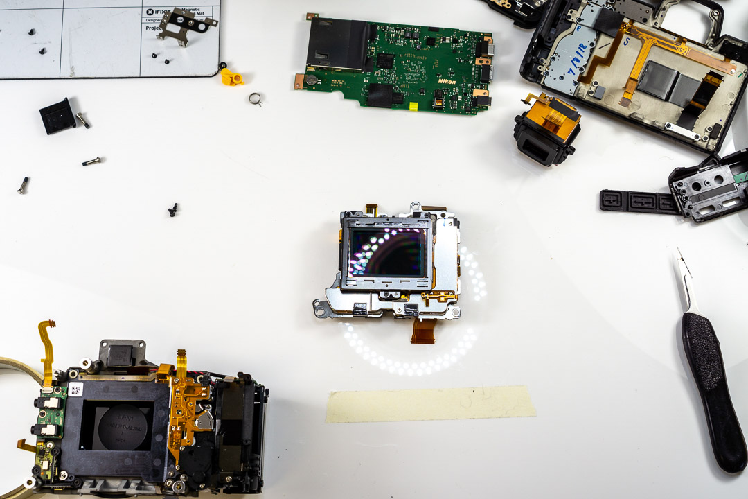 Nikon-Z7-mirrorless-camera-teardown-16