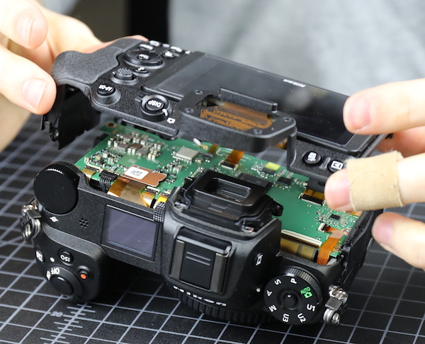 Nikon-Z7-mirrorless-camera-teardown6