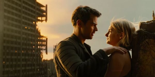 Theo James & Shailene Woodley in Allegiant