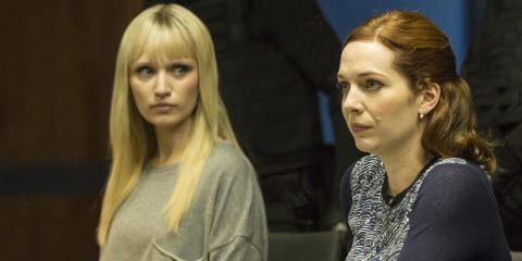 Niska (Emily Berrington) and Laura (Katherine Parkinson) in 'Humans' s02e05