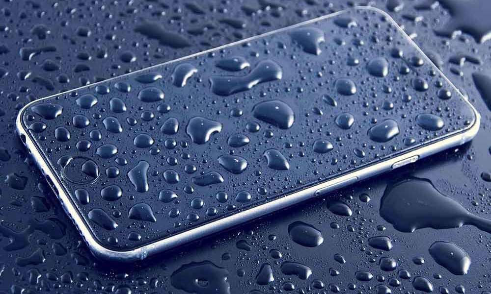 iphone-tombé-dans-l'eau