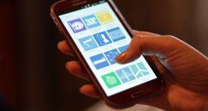 Aplikasi Pembuat Logo di Android