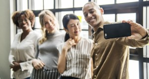 Tips Penting Memilih Smartphone yang Cocok Buat Selfie