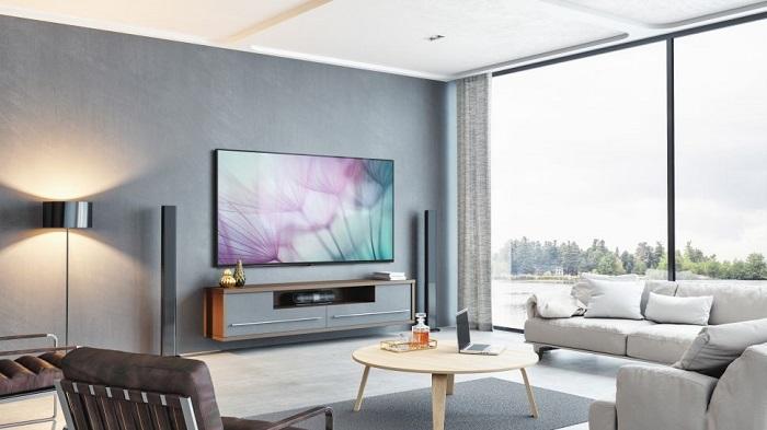 Fierce Showdown Between Samsung and Sharp in the 8K TV Segment