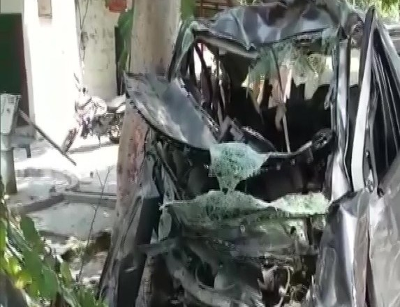 Five People dead in a Massive Road Accident in Uttar Pradesh's Rampur dist after an Eco-Van collided with a Tanker