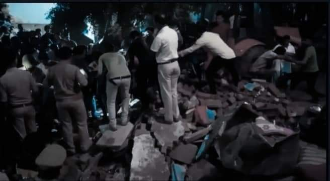 Uttar Pradesh: Jaunpur two storey house collapsed-5 people of a family died