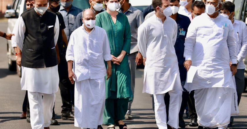 गृह राज्य मंत्री के इस्तीफे पर अड़ी कांग्रेस, राष्ट्रपति के द्वार पहुंचे राहुल गांधी और प्रियंका