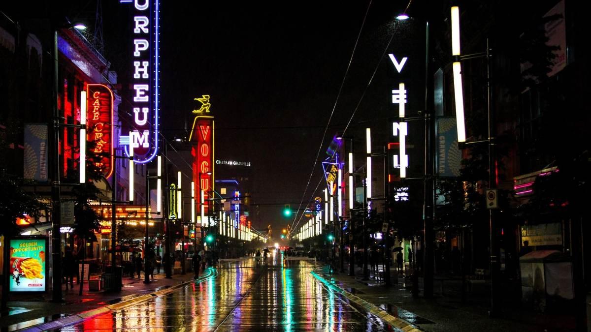 night lights in vancouver granville street