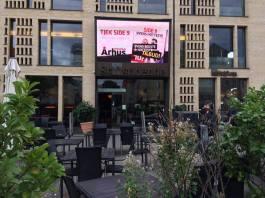 Skærmen foran Cafe Stiften